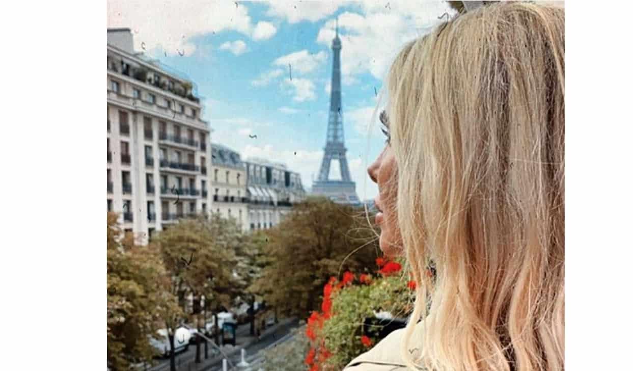 Ilary Blasi e Totti criticati per il viaggio a Parigi e per i ritocchi (Foto)