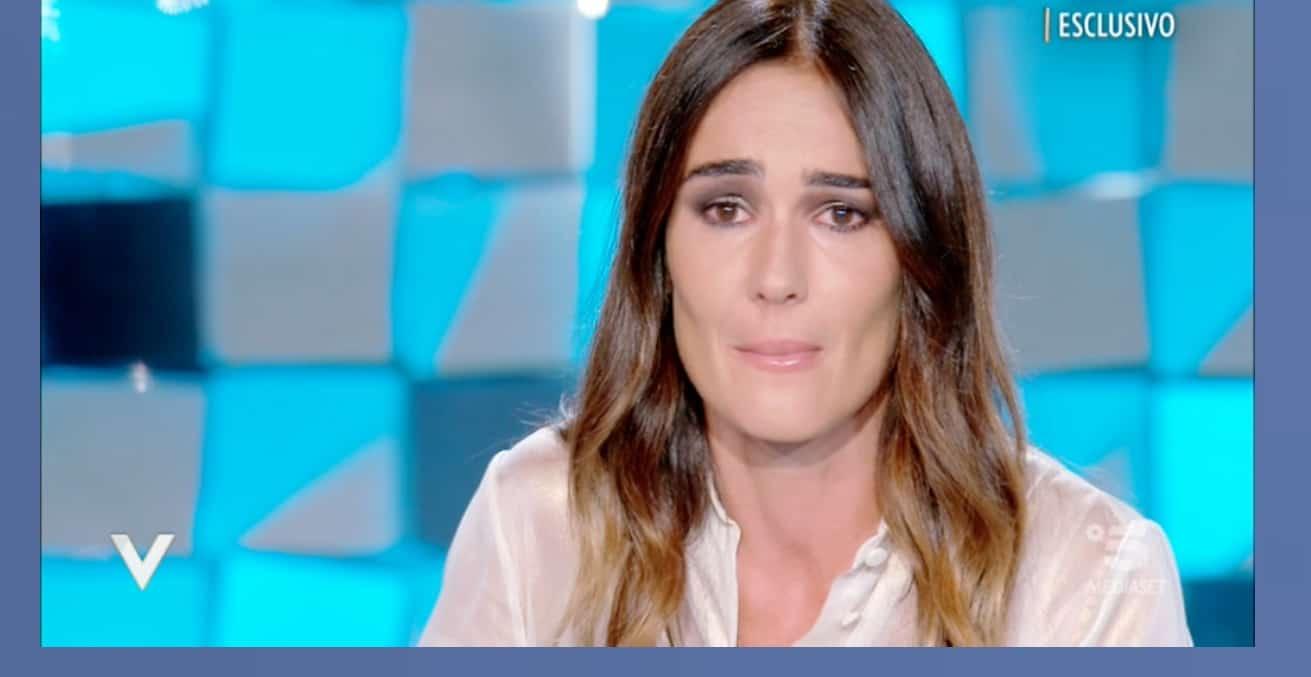 Silvia Toffanin in lacrime per Piero Chiambretti quando racconta del momento dell'addio alla madre
