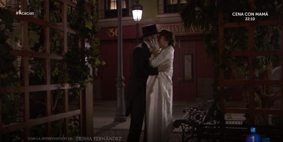 Una vita anticipazioni: Genoveva e Felipe a gran sorpresa c'è il bacio