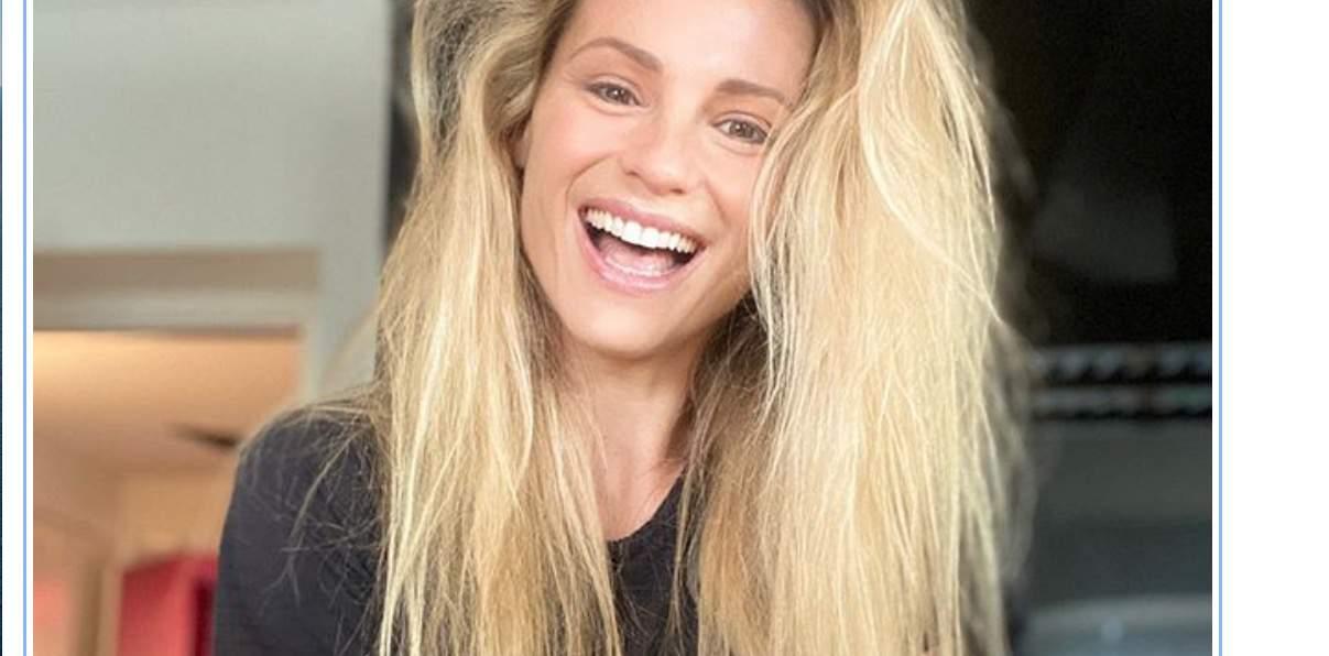 Michelle Hunziker a casa appena sveglia mostra i suoi capelli prima di sistemarli (Foto)