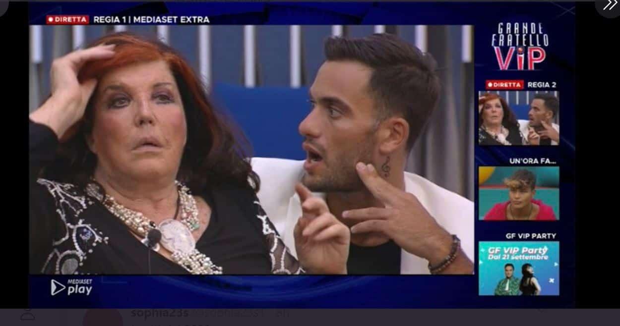La contessa nuda in diretta: in casa non tutti reagiscono bene alle immagini della De Blanck desnuda