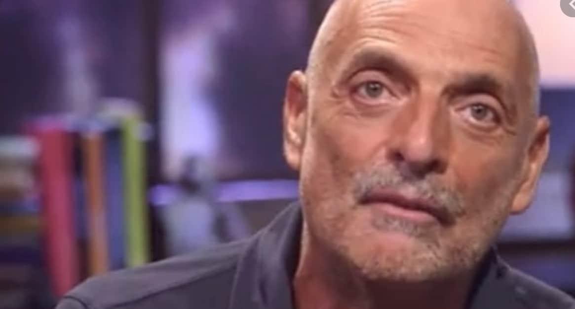 """Paolo Brosio in ospedale: """"Ce la farò con l'aiuto di Dio"""""""