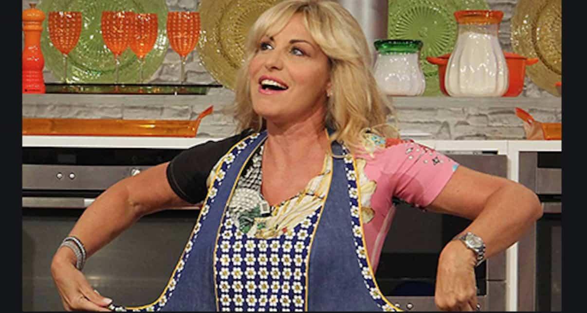 Perché Antonella Clerici torna in tv a mezzogiorno dopo avere lasciato La prova del cuoco?