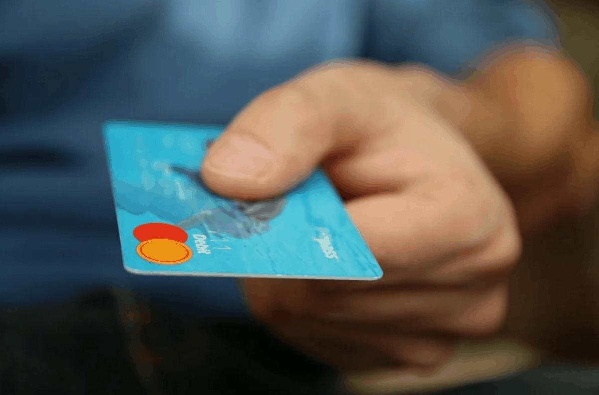 Bonus bancomat e POS: premi e lotterie per chi dice addio al contante