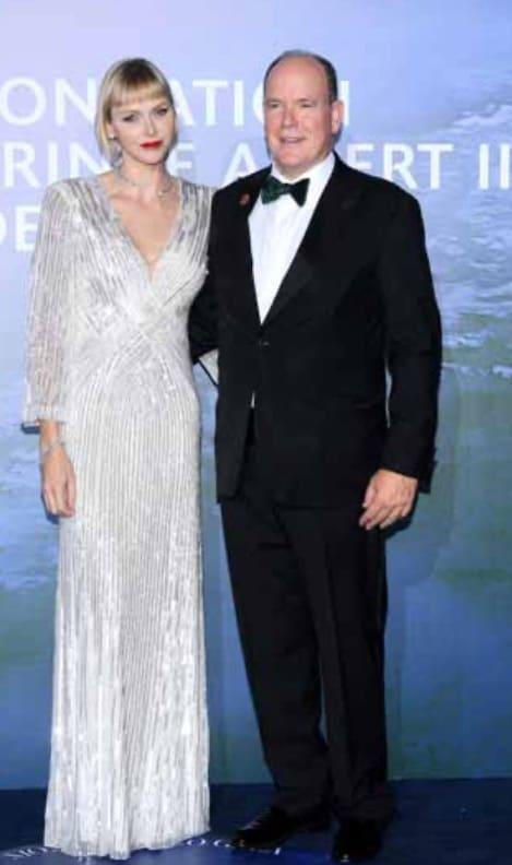 Charlene Wittstock bellissima al gala ma dicono sia irriconoscibile (Foto)