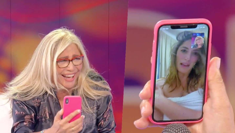 Risate a Domenica IN: Mara Venier chiama Elisa Isoardi che risponde in accappatoio
