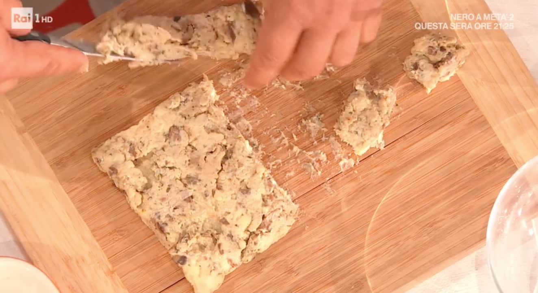 La ricetta delle frittelle di latte brusco da E' sempre mezzogiorno