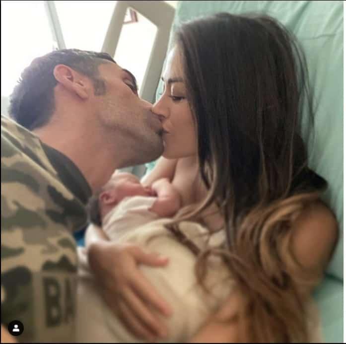 Filippo Magnini e Giorgia Palmas, le prime foto con Mia fanno piangere il campione