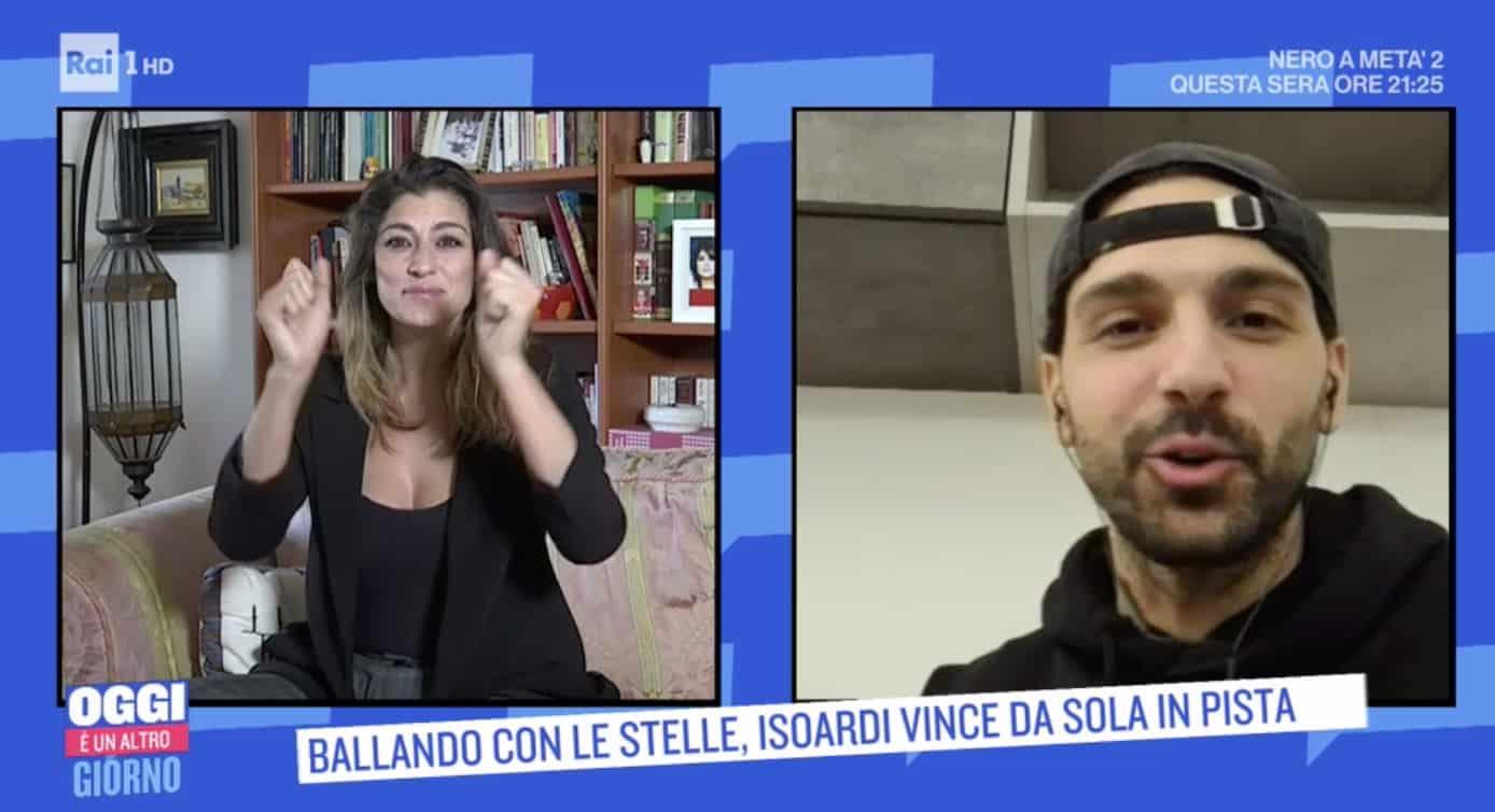 Raimondo Todaro è tornato a casa e chiede a Elisa Isoardi cosa ha mangiato (Foto)