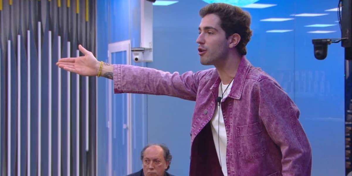 Grande Fratello VIP 5, Signorini striglia Tommaso Zorzi: 'Garko con la gonna? Non sei coerente'