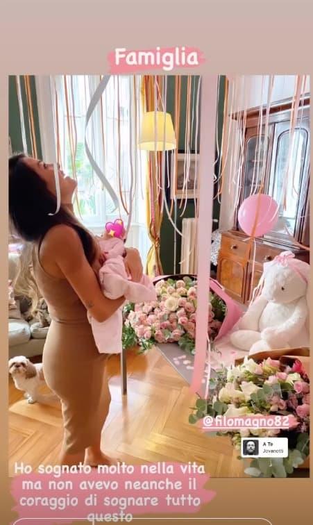 Lacrime di gioia per Giorgia Palmas tornata a casa con Mia (Foto)