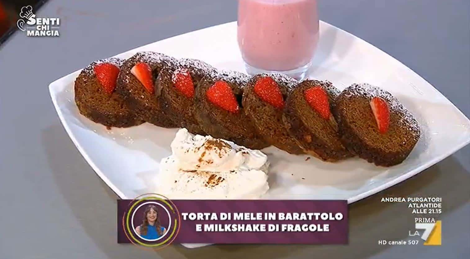 Torta di mele in barattolo servita con milkshake di Benedetta Parodi