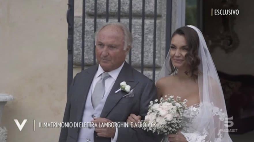 Elettra Lamborghini, a Verissimo le immagini del matrimonio che rivelano le lacrime (Foto)