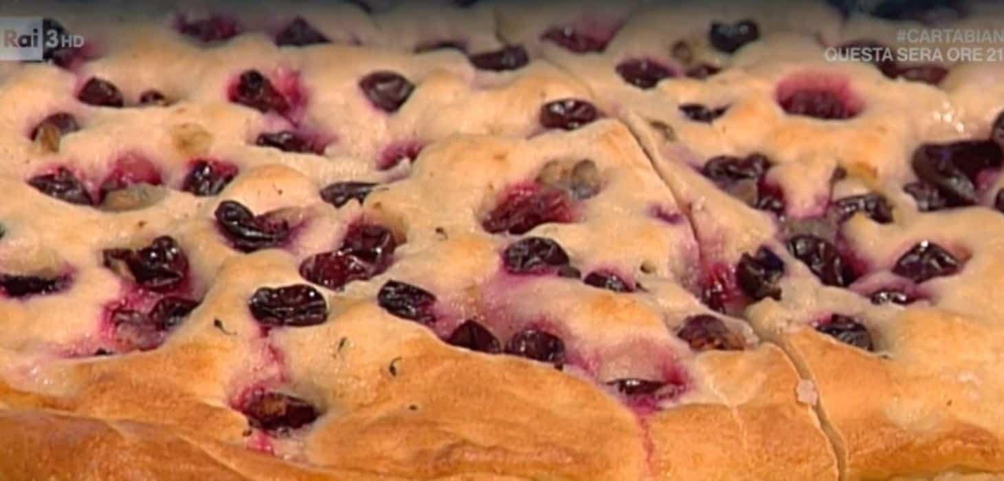 La schiacciata dolce con uva Sangiovese: una ricetta da Geo