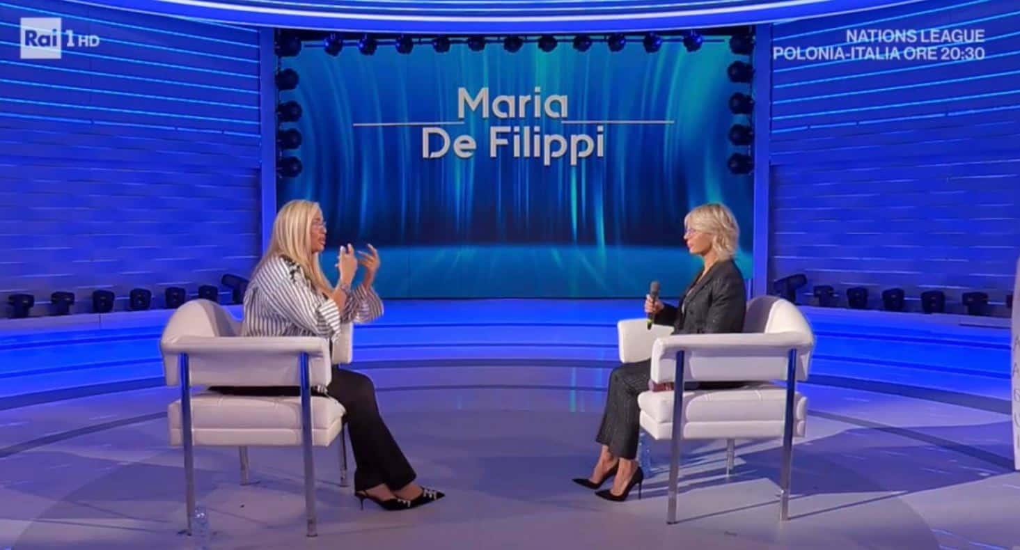 Maria de Filippi a Domenica IN parla della volta in cui lei e Maurizio furono scoperti