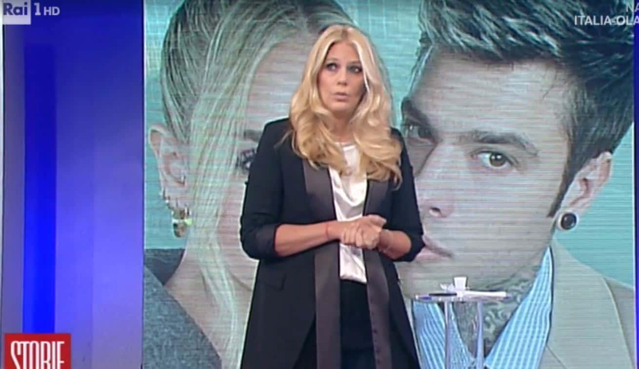 Eleonora Daniele in diretta da Storie Italiane si scusa e chiede anche aiuto a Fedez per combattere il bullismo