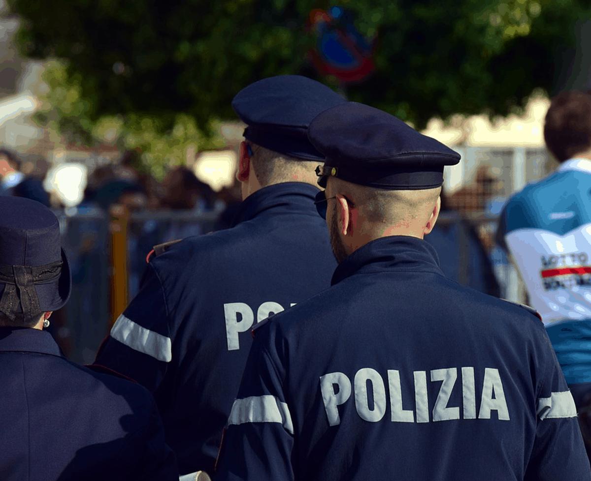 Caos Giro d'Italia: sarebbero 17 i poliziotti positivi