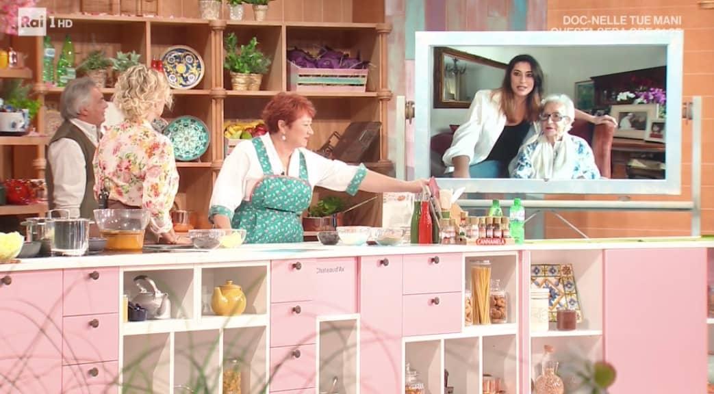 Elisa Isoardi a E' sempre mezzogiorno, Antonella Clerici le chiede dell'amore (Foto)