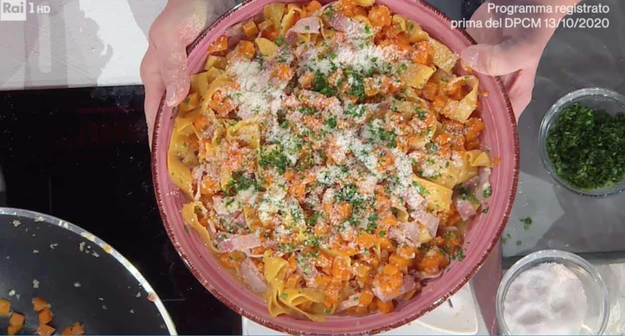 Pappardelle con zucca e pancetta di zia Cri, le ricette E' sempre mezzogiorno