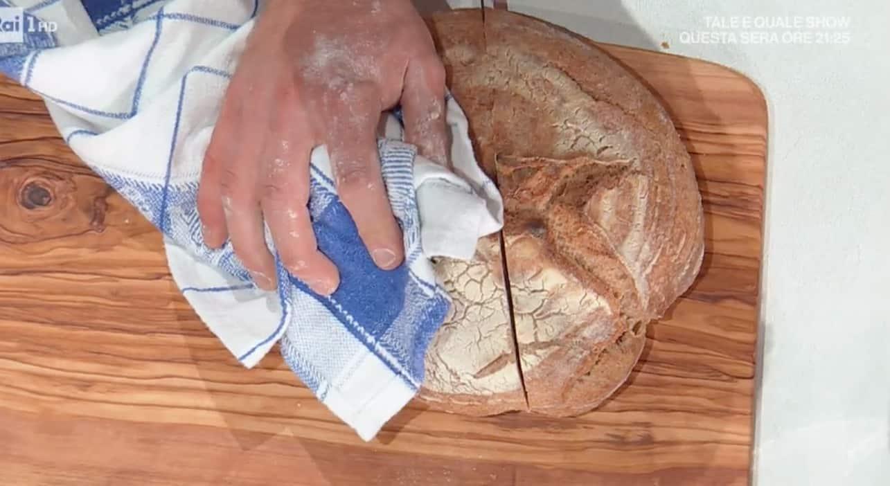 Il pane al farro di Fulvio Marino diventa un goloso panino Ale per E' sempre mezzogiorno