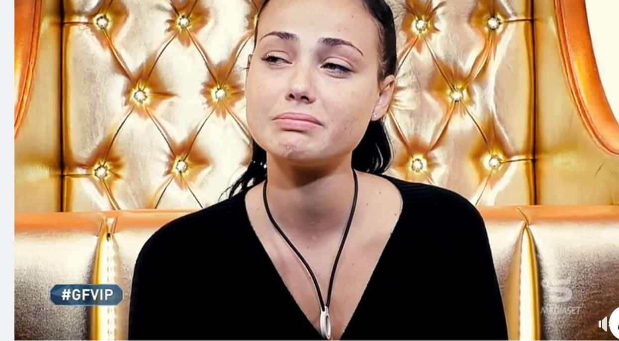 """Adua diventa Rosalinda e fa una confessione shock al GF VIP 5: """"Sono stata violentata"""""""
