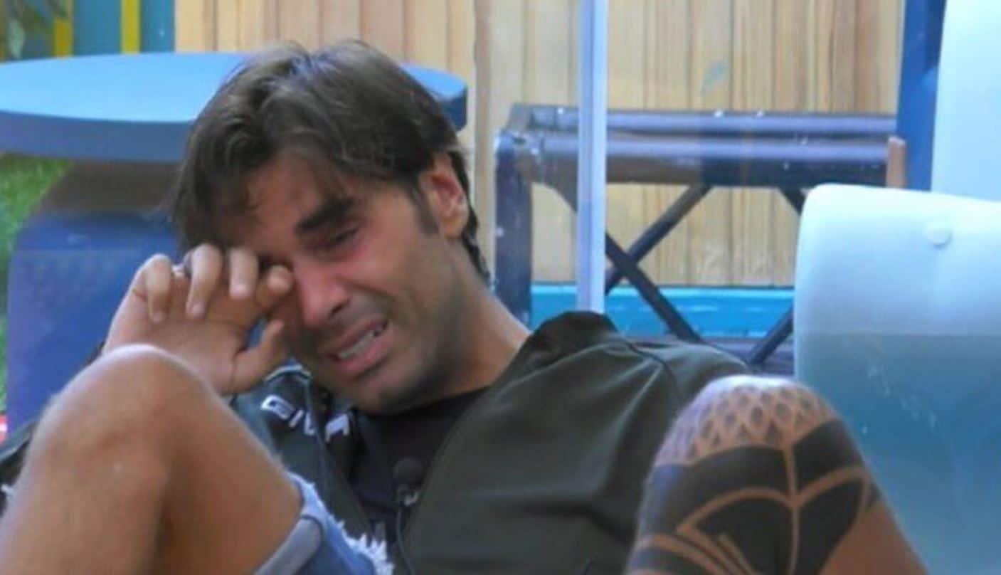 Al Gf VIP 5 le ultime notizie sul covid 19: Massimiliano Morra in lacrime preoccupatissimo