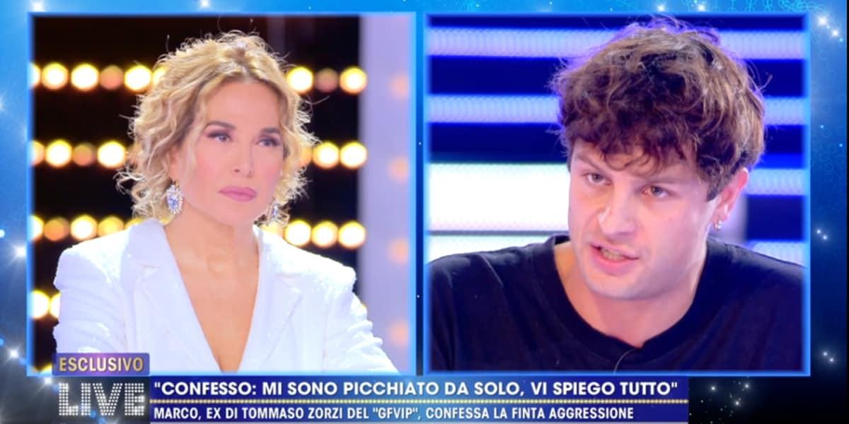 LIVE Non è La D'Urso: Iconize si scusa ma cambia  versione, niente surgelati ma auto-lesionismo