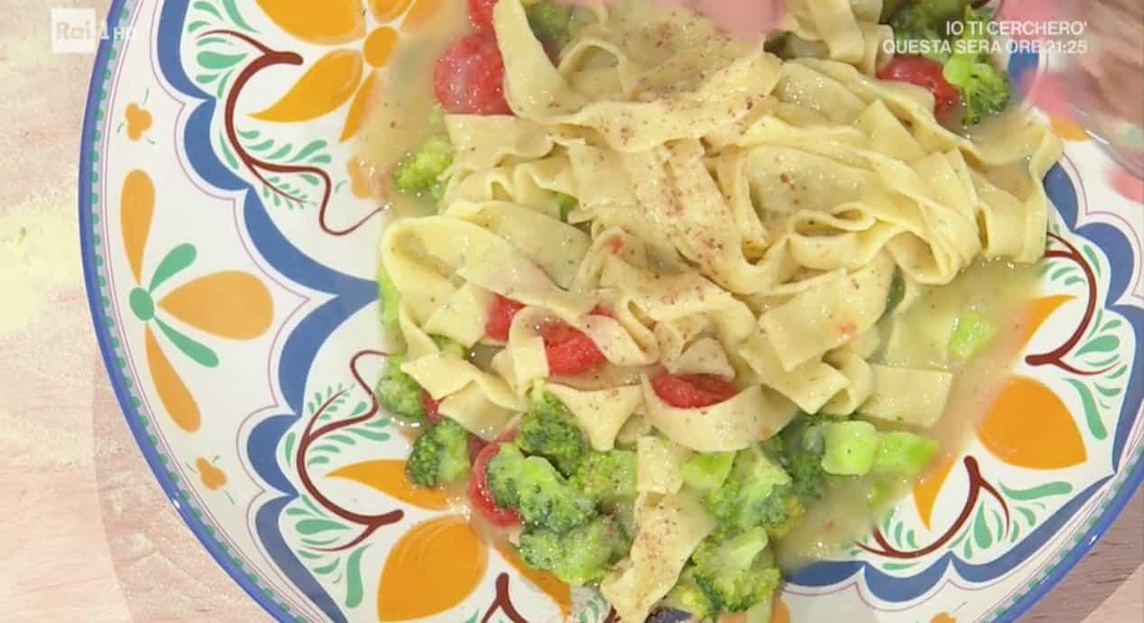 Triddi broccoli e pomodorini, la ricetta di E' sempre mezzogiorno