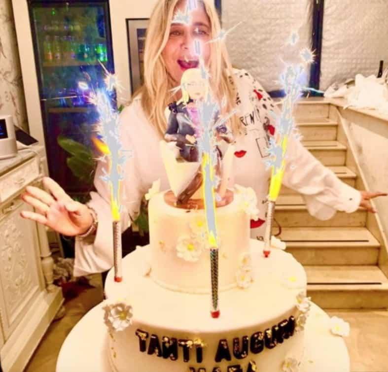 La festa di compleanno di Mara Venier con pochi amici vip rispettando le regole (Foto)