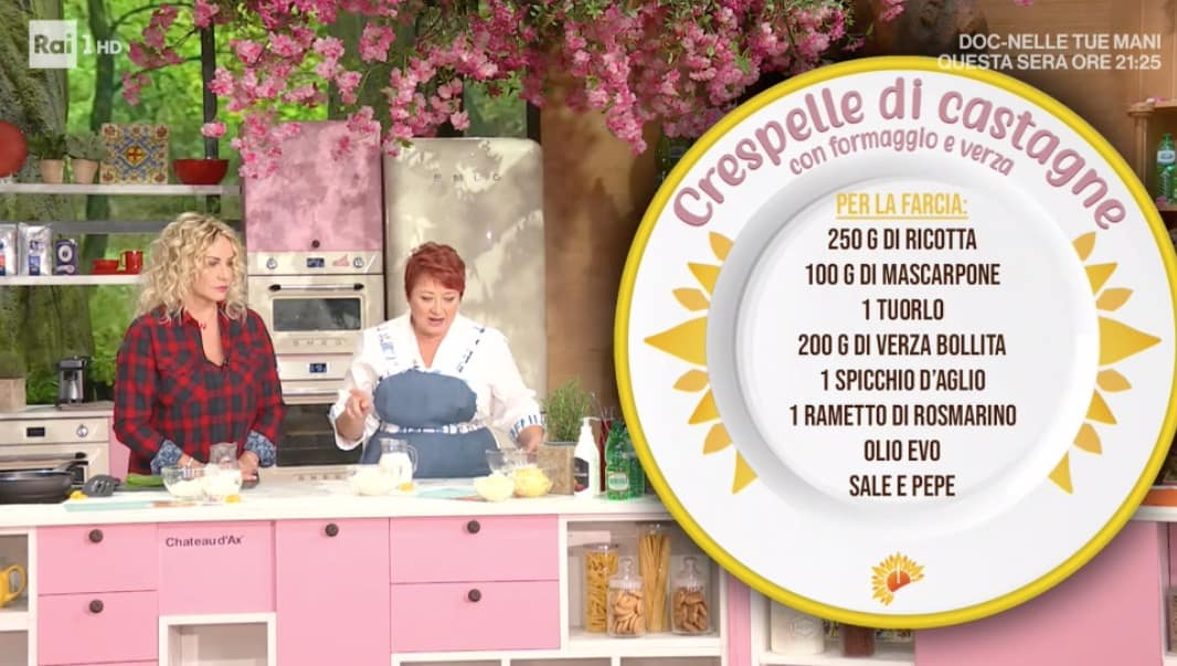 Crespelle di castagne con formaggio e verza di Zia Cri per le ricette E' sempre mezzogiorno