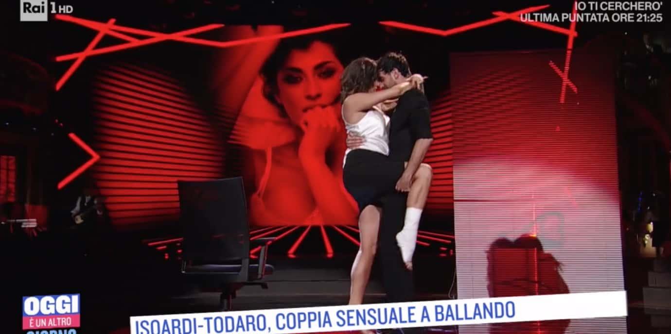 "La risposta di Elisa Isoardi su Raimondo Todaro: ""Va bene così non roviniamo le cose"" (Foto)"