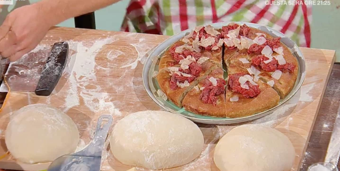 Ricette Fulvio Marino, la focaccia  E' sempre mezzogiorno con carne cruda e tartufo