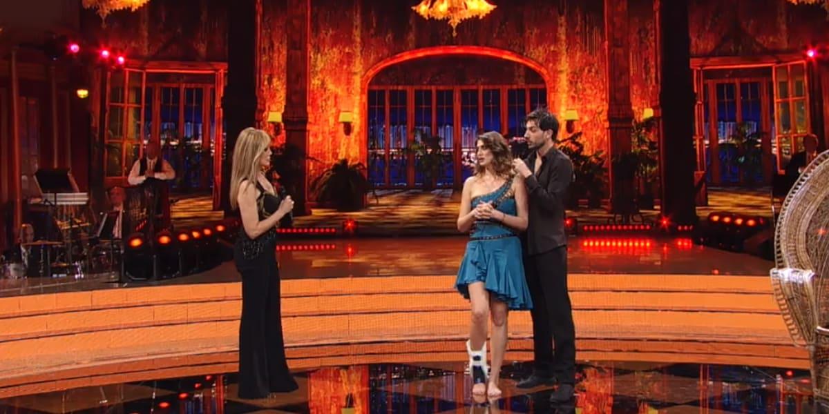 Ballando con le Stelle 2020: Elisa Isoardi ritirata fa lo scherzetto di Halloween al televoto