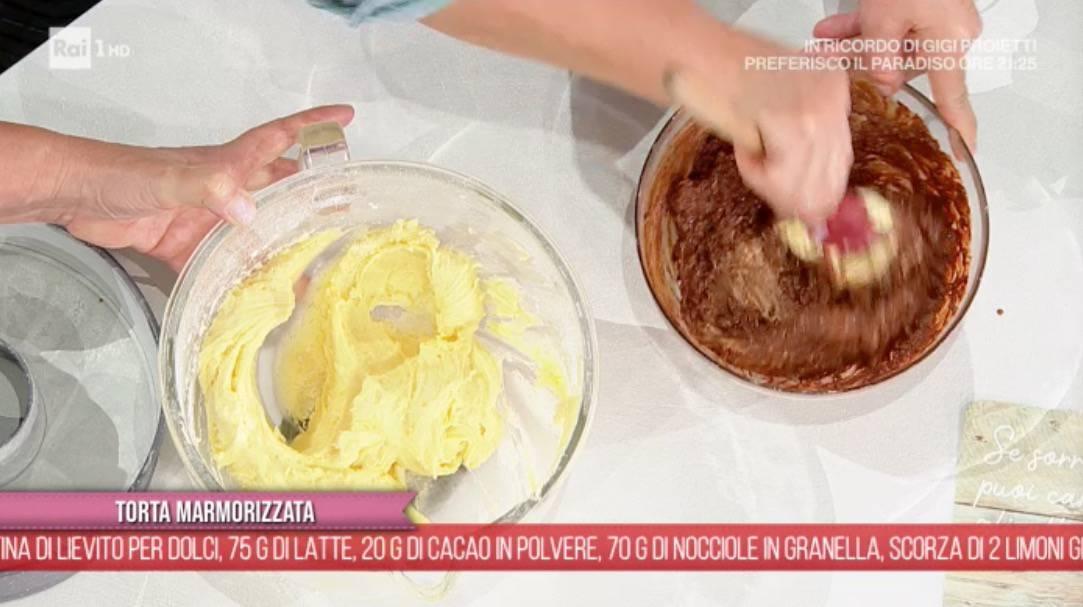 Torta marmorizzata di zia Cri, la ricetta da E' sempre mezzogiorno per Ezio Greggio (Foto)