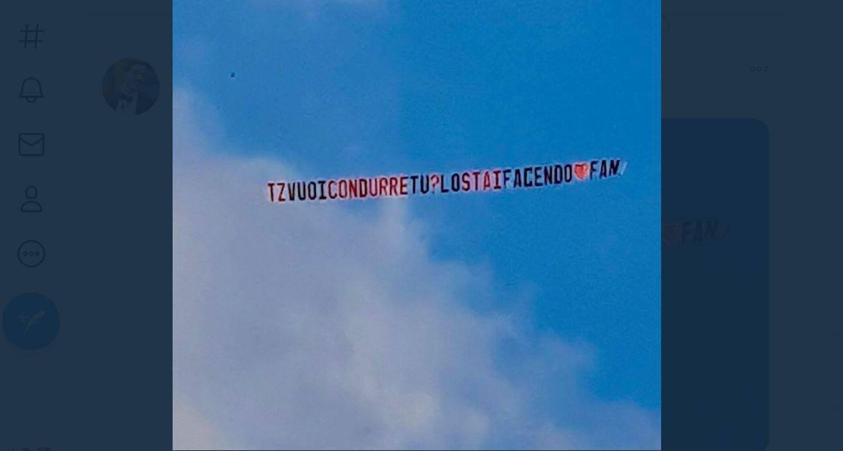 """Un aereo per Tommaso Zorzi al GF VIP 5: """"Vuoi condurre tu?"""""""