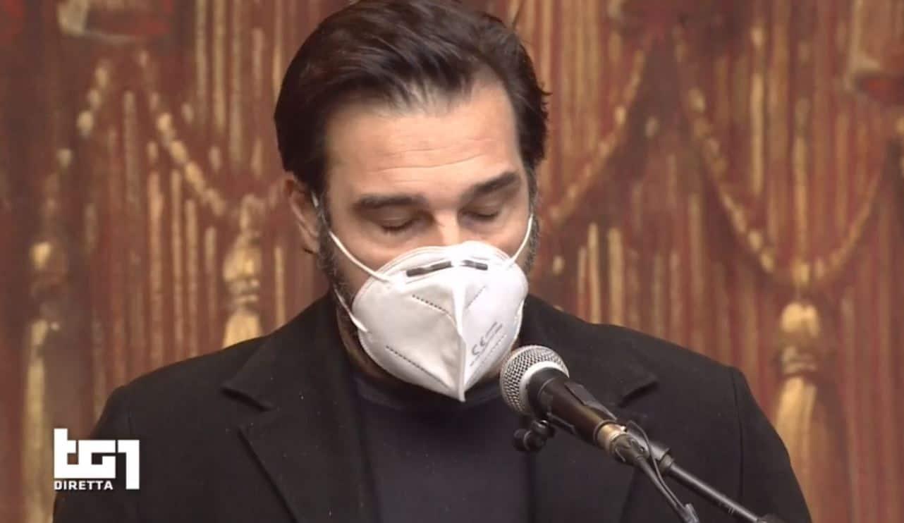 """Edoardo Leo non trattiene le lacrime con il suo grazie a Gigi: """"Non sei un attore tu, sei Gigi Proietti"""""""