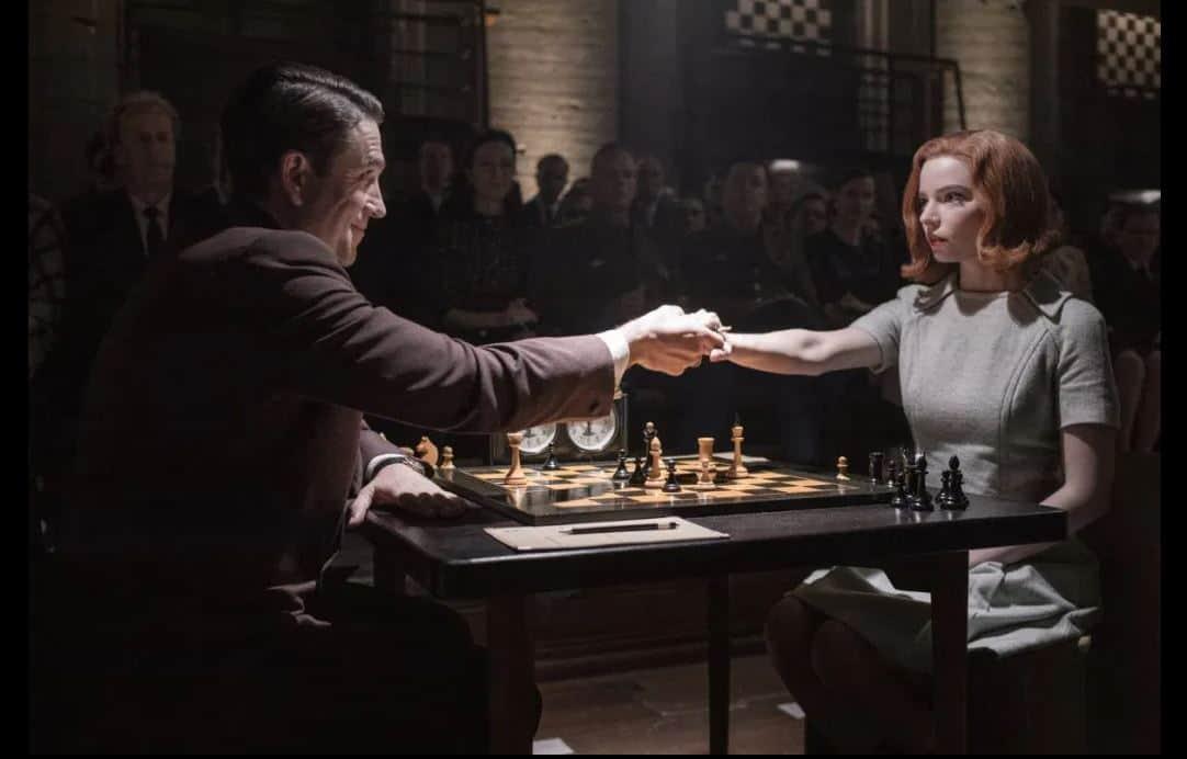 Con La regina degli scacchi Netflix fa scacco matto