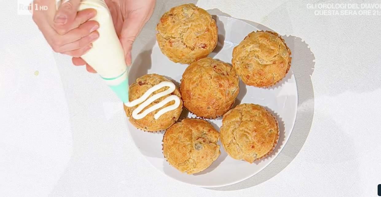 Sara Brancaccio i muffin salati alla mediterranea, la ricetta dolce di E' sempre mezzogiorno