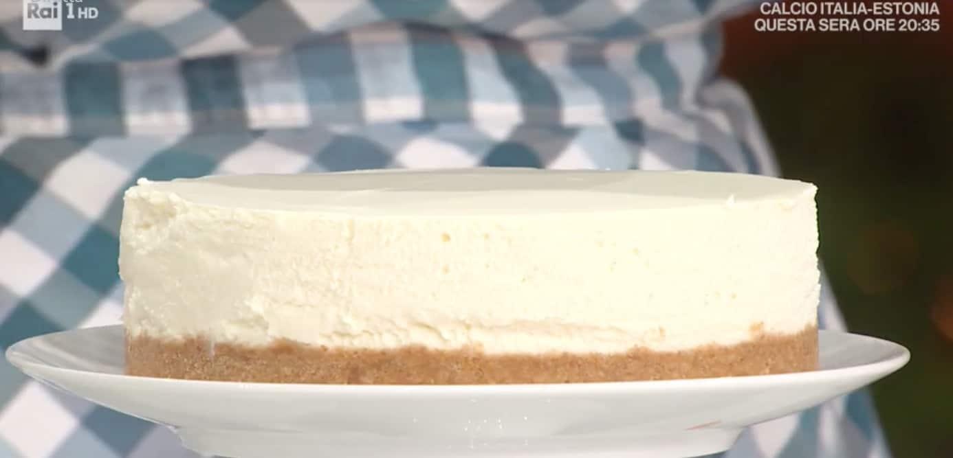 La ricetta della cheesecake con salsa di cachi di zia Cri: E' sempre mezzogiorno