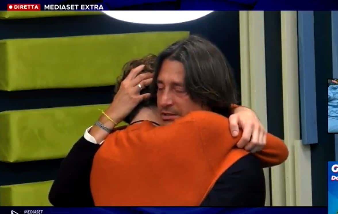 Anche Francesco Oppini scrive una lettera a Zorzi e arriva l'abbraccio più dolce (VIDEO)