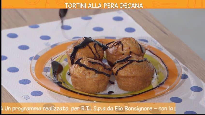 La ricetta dei tortini alle pere decane di Anna Moroni