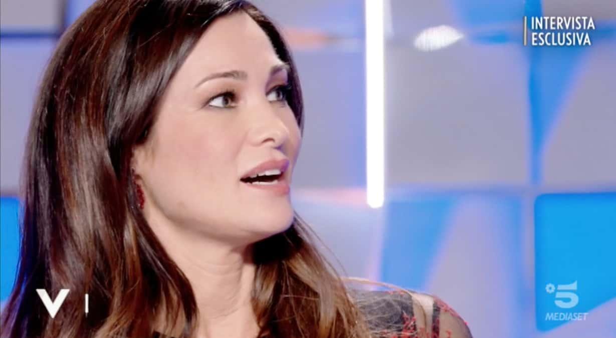 Manuela Arcuri è già sposata, matrimonio in gran segreto con il suo Giovanni (Foto)