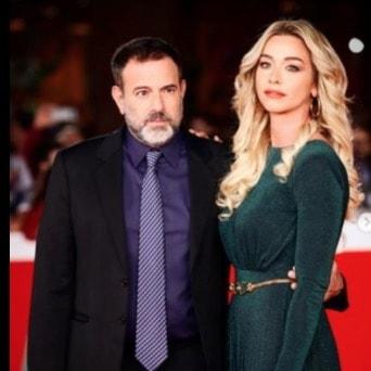 Fausto Brizzi e Silvia Salis, per il matrimonio hanno scelto mascherine trasparenti e aperitivo (Foto)