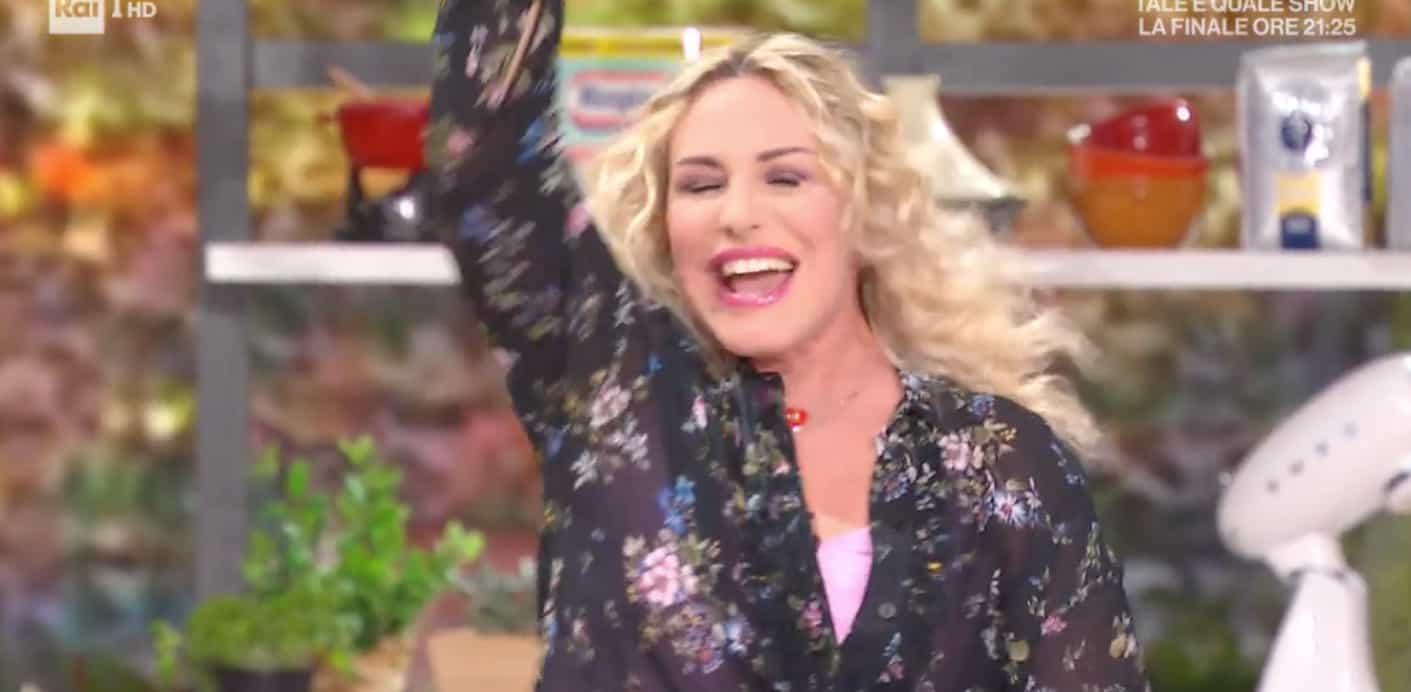 L'esplosione di gioia di Antonella Clerici, le urla nella cucina di E' sempre mezzogiorno (Foto)