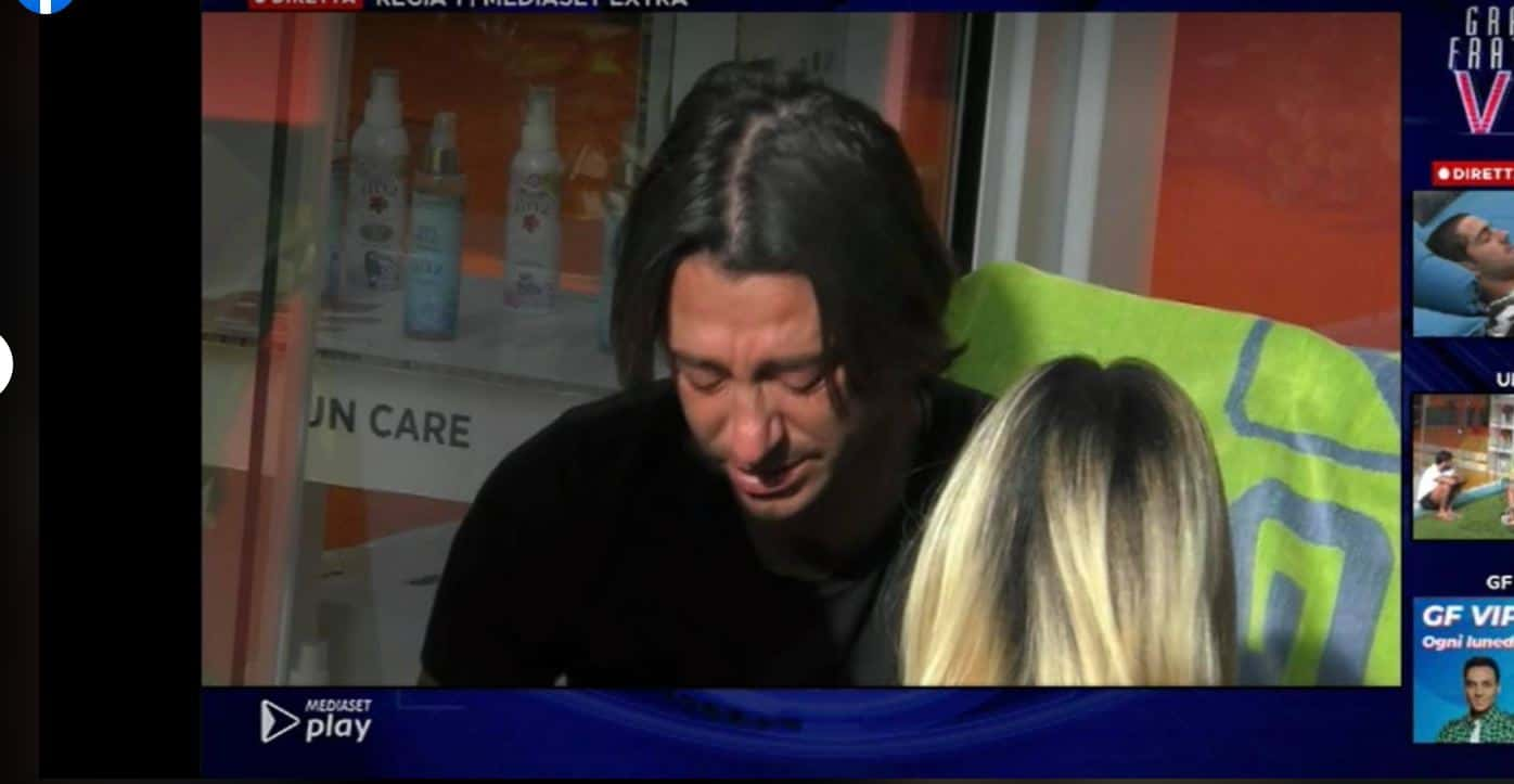 Francesco Oppini in crisi scoppia a piangere: vuole lasciare ma ha paura di deludere