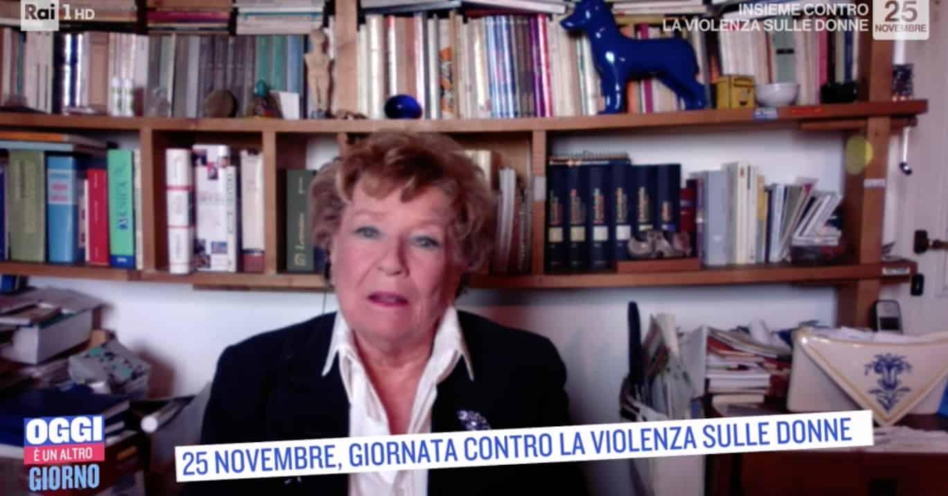 """Dacia Maraini si rivolge alle donne: """"La violenza è una rapina e c'è una strategia"""""""