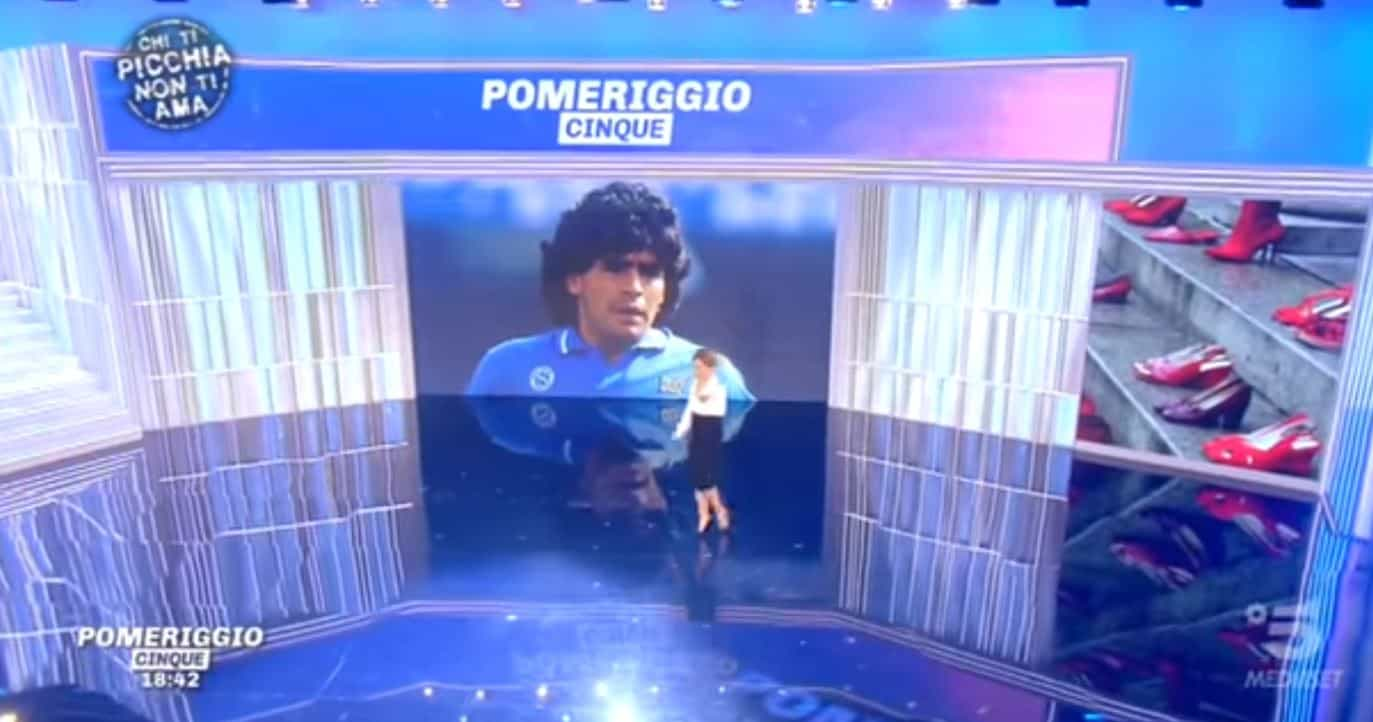 La notizia della morte di Maradona in tv: il pubblico premia Pomeriggio 5