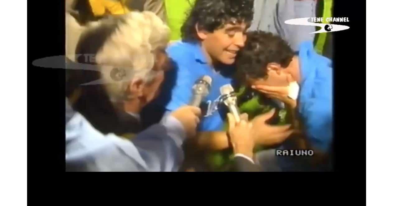 """Ciro Ferrara trova la forza di scrivere l'addio a Maradona: """"Tutto il mio corpo ti piange"""""""