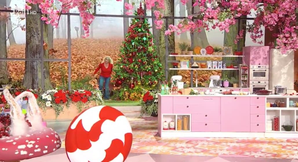 E' sempre mezzogiorno ha già addobbato per Natale con albero, luci e grembiuli (Foto)