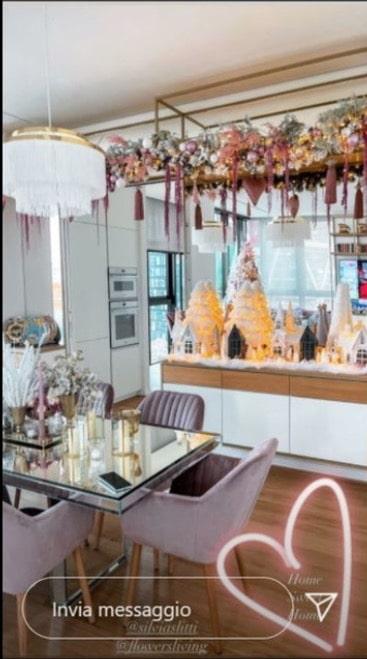 Albero di Natale rosa per Diletta Leotta che punta sullo stile romantico (Foto)